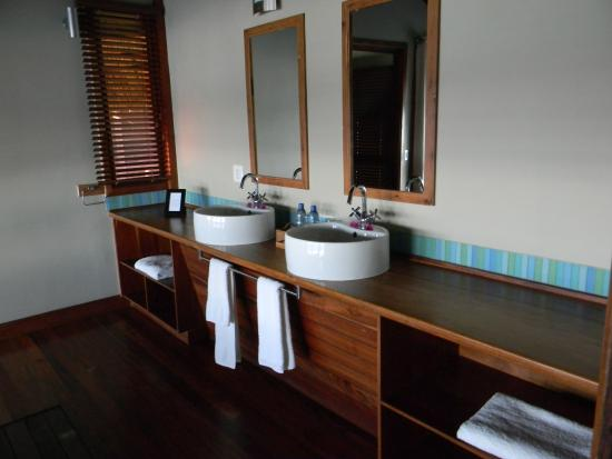 Massinga Beach Lodge: View from basins in bathroom
