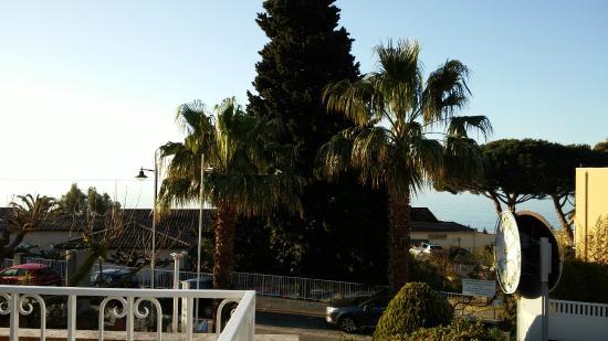 Hotel les Alcyons: Vue du balcon de la chambre