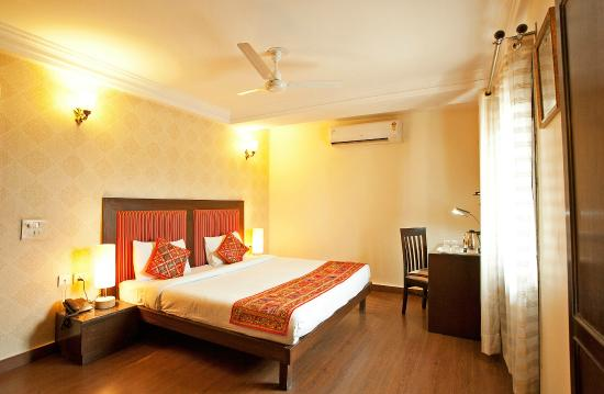 FabHotel Connaught Place