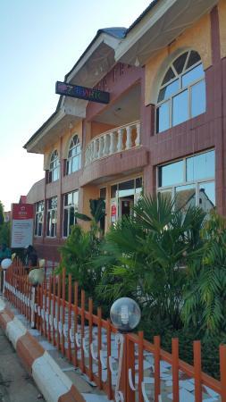Kananga, République démocratique du Congo: Outside view - Main Entrance of Hotel