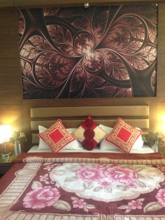 Hotel Namaskar Residency: Royal Room