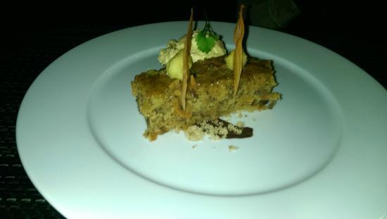 Trevalsa Court: Carrot Cake