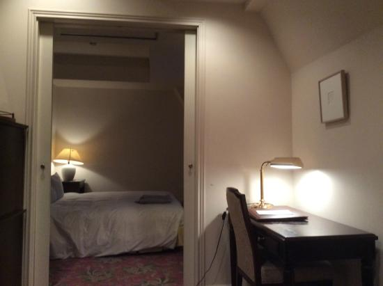 Setre Glover's House Nagasaki: リビングとベッドルーム