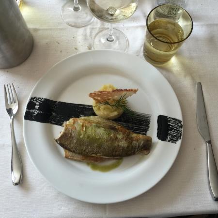 Casabella: Il secondo ( pescato del giorno alla griglia) ��
