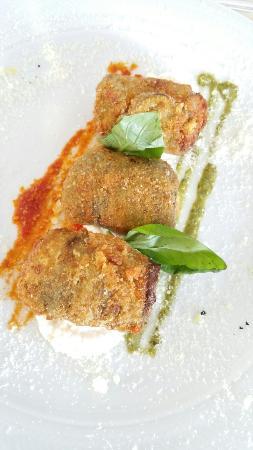 L'Antica Cartiera : Vialone nano al limone, Crocchette di parmigiana e Babá con gelato