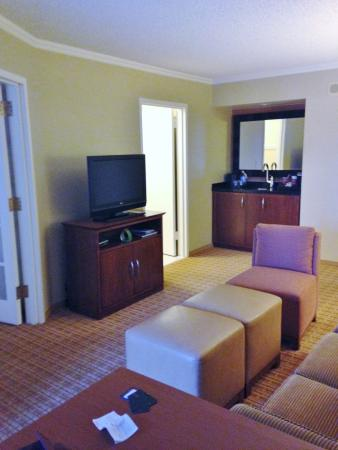 Scottsdale Marriott Suites Old Town: Bar and coffee area