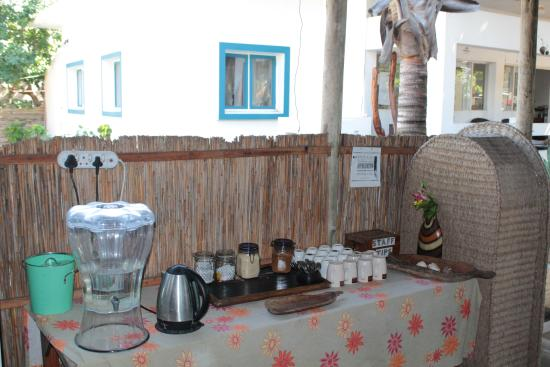 Devocean Diving: The 'help yourself' coffe, tea and drinking water hospitality table