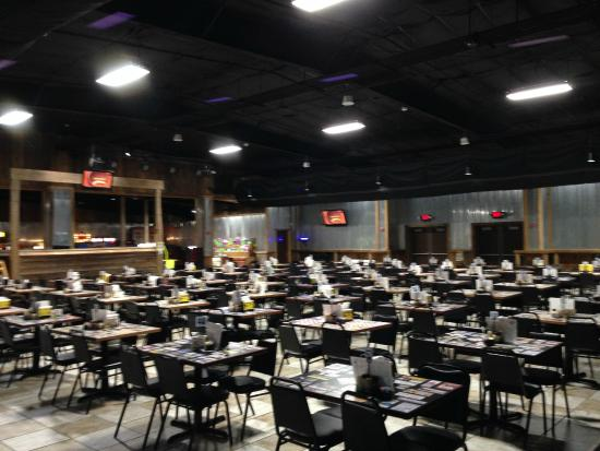 Larrys Pizza With Over 300 Seats In The House We Can Find Room For