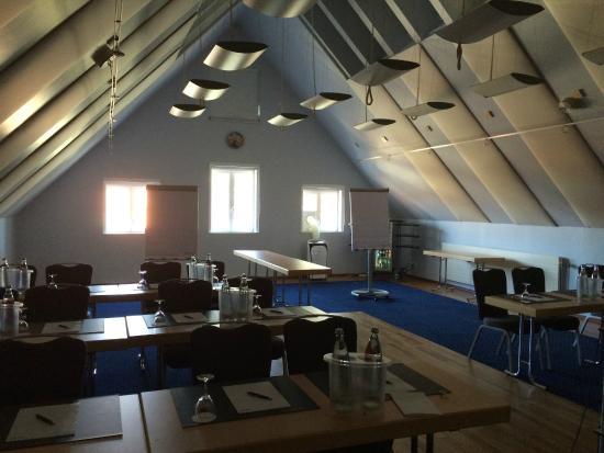 Lindner Hotel and Spa Binshof: Tagungsraum unter dem Dach