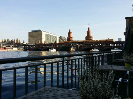 Restaurant RioGrande : Oberbaumbrücke from a table at RioGrande terrace