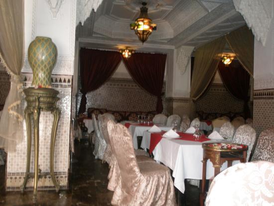Grand Hotel Tazi : Ttables