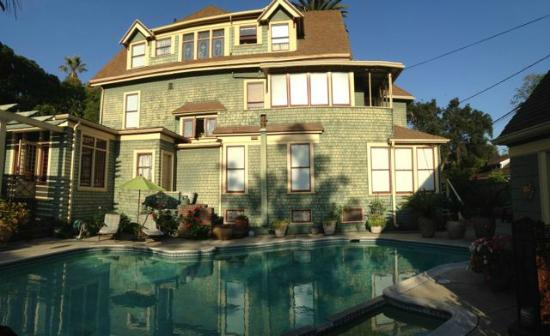 The Bissell House Bed & Breakfast: side with pool in foreground