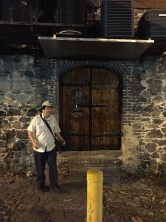 Savannah Hauntings Ghost Tour: photo0.jpg