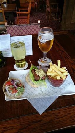 Premier Inn York North Hotel: Light lunch at the Doormouse!