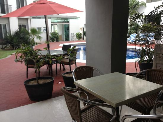 Seven Crown Hotels: eating area where you can get internet