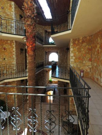 Villa Hotel Tamara: Innenhof