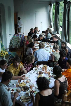 Terrasse der Villa Gabliani: Platz für viel Essen und viele Leute