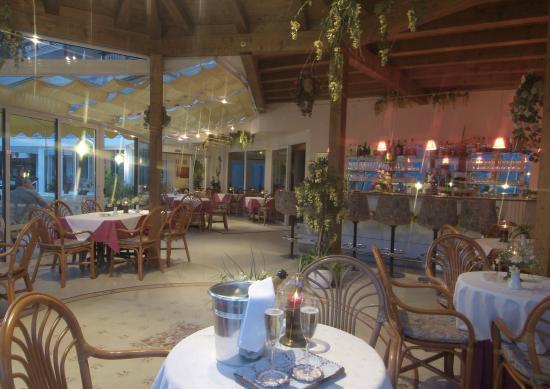 Hotel Olympia: Bar