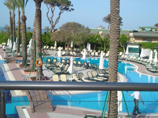 Bar picture of limak atlantis deluxe hotel resort for Piscine 07500