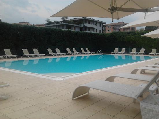 Hotel Oliveto Lago di Garda - Desenzano del Garda : piscina esterna