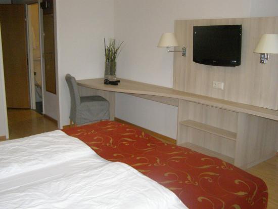 Rosen Hotel Europahaus: same room