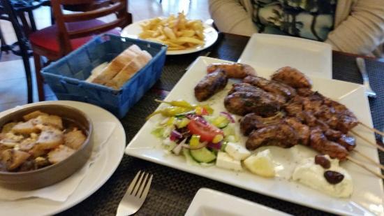 Elliniko Hotel & Restaurant