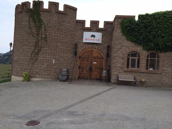 Road 13 Vineyards : The Castle at Road 13