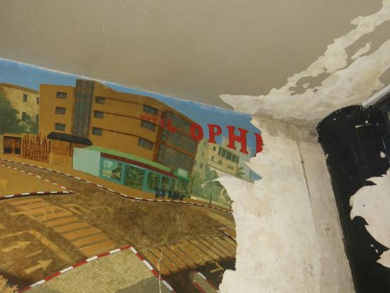 The Ophir Hotel: Breakfast place (Three star hotel long time ago...)