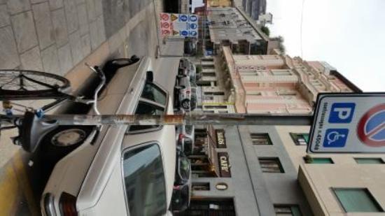 Ibis Styles Milano Centro: Outside Hotel