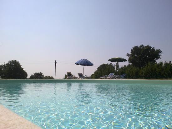 Monte dell'Olmo: piscina