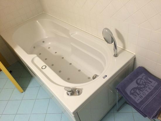 Masini Hotel: bathroom