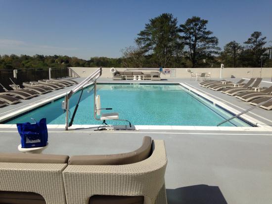 Hyatt Regency Atlanta Perimeter at Villa Christina: Hotel pool on 3rd floor