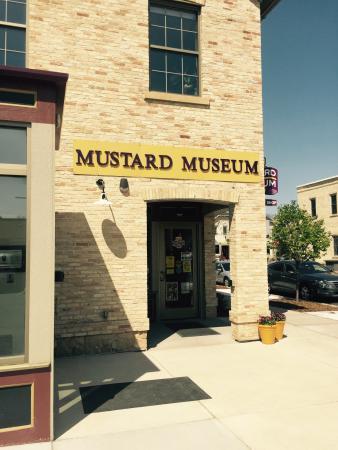 National Mustard Museum: Must see good history on mustard!