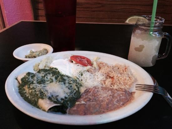 Playa Azul Authenic Mexican: Spinach enchiladas with side of guacamole and frozen margarita