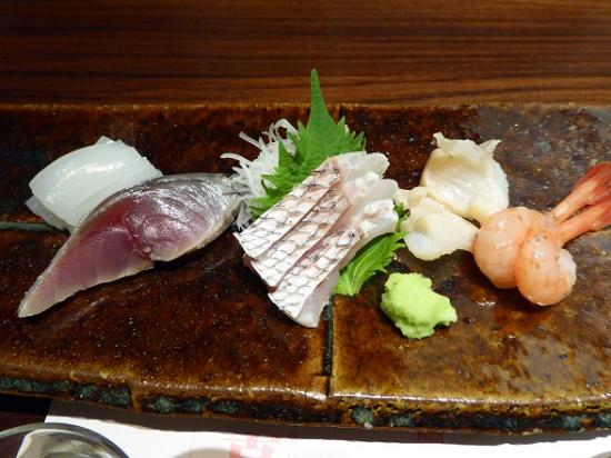 Minato Sushi : 地魚刺身盛り合わせ