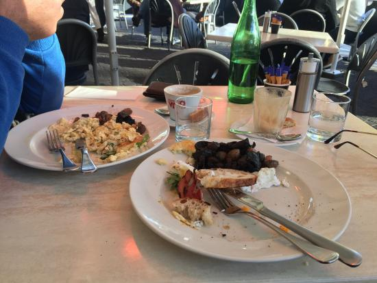 Maldini Cafe Restaurant: Worst breakfast ever. If I wasn't so hungry I wouldn't have eaten any of it.