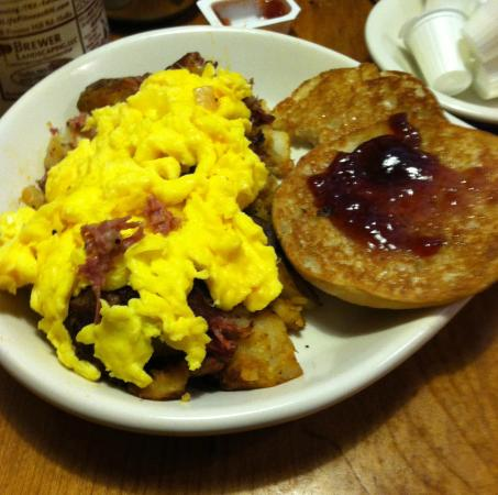 Hollis Country Kitchen Skillet Breakfast