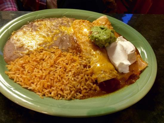 Mi Ranchito: Cheese enchiladas.