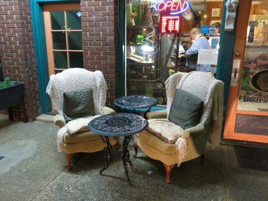 Badin, NC: front of restaraunt