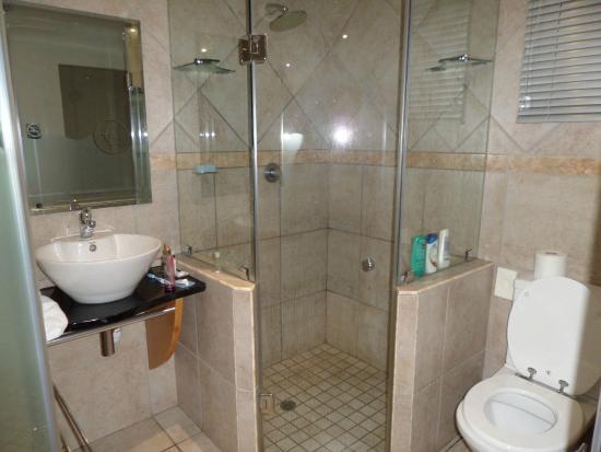 Europrime Hotel : El baño
