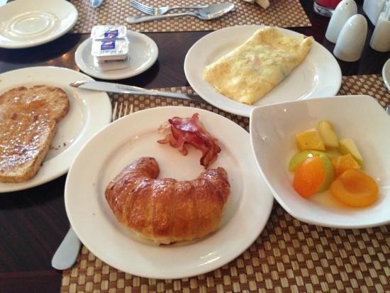 Protea Hotel by Marriott Blantyre Ryalls: Tasty Breakfast Buffet