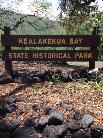 Kealakekua Bay State Historical Park: Park sign