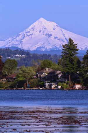 Fairview, ออริกอน: Mt Hood from blue lake park