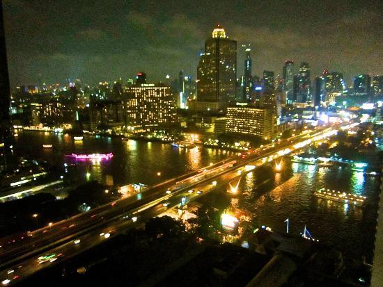 TheRiverSideBangkok Elegant Apartments: big bangkok view