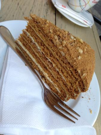 Cafe 22: Honey cake