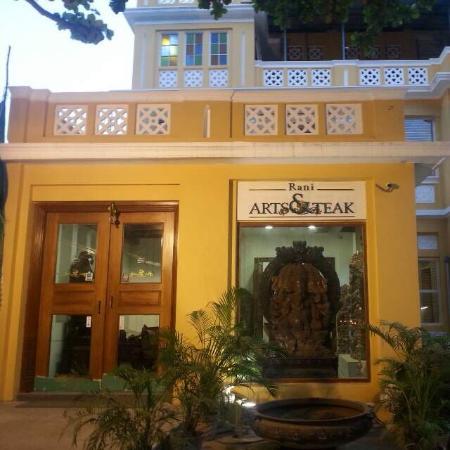 Rani Arts & Teak
