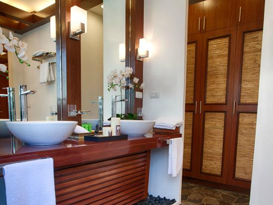 Bathroom in all room types