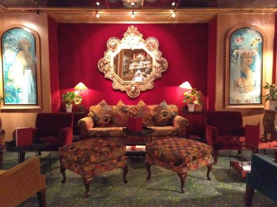 Parc Belair Hotel: Cozy alcove to sit and visit with friends.