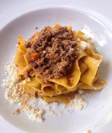 Il Girasole: pappardelle alla bolognese