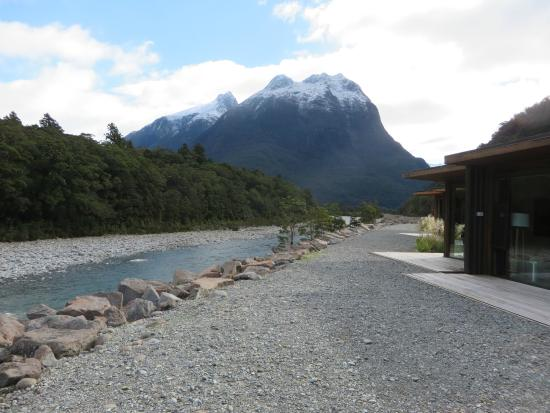 River terrace picture of milford sound lodge milford for 2115 east river terrace